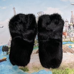 Ugg faux fur slippers size 10M